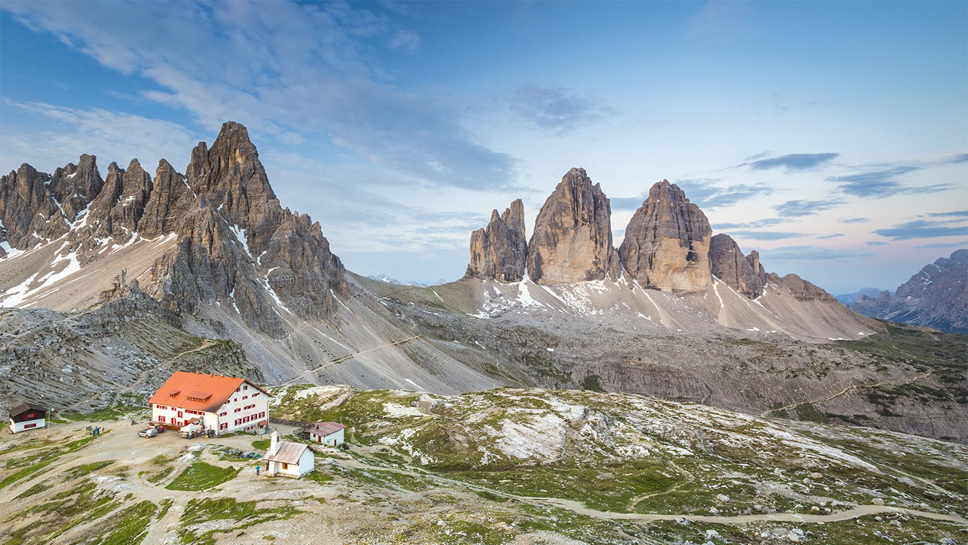 Hiking in the mountains during your South Tyrol summer holidays: the Tre Cime di Lavaredo